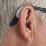 Få din hørelse igen med et moderne og diskret høreapparat