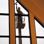 Tag på en inspirationstur som vinduespudser